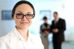 χαμόγελο γυαλιών επιχε&io Στοκ φωτογραφία με δικαίωμα ελεύθερης χρήσης