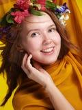 χαμόγελο κοριτσιών λουλουδιών Στοκ εικόνες με δικαίωμα ελεύθερης χρήσης