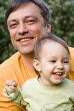 χαμόγελο μπαμπάδων μωρών Στοκ εικόνες με δικαίωμα ελεύθερης χρήσης