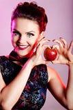χαμόγελο κοριτσιών μήλων Στοκ φωτογραφία με δικαίωμα ελεύθερης χρήσης