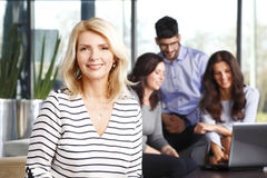 χαμόγελο πορτρέτου επιχειρηματιών Στοκ φωτογραφία με δικαίωμα ελεύθερης χρήσης