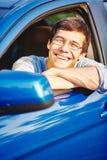 Χαμόγελο του τύπου στο αυτοκίνητο στοκ φωτογραφίες με δικαίωμα ελεύθερης χρήσης