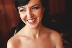χαμόγελο brunette νυφών Στοκ φωτογραφία με δικαίωμα ελεύθερης χρήσης