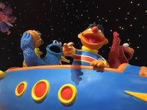 Χαρακτήρες του Sesame Street στο διαστημικό σκάφος Στοκ φωτογραφία με δικαίωμα ελεύθερης χρήσης