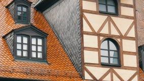 Χαρακτηριστικά εθνικά γερμανικά σπίτια στην πόλη Furth στο ύφος του fachwerk ή μισό-εφοδιασμένος με ξύλα απόθεμα βίντεο