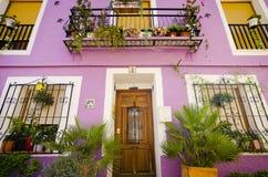 Χαρακτηριστικά μεσογειακά χρωματισμένα σπίτια Στοκ Εικόνες