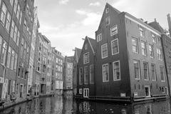 Χαρακτηριστικά σπίτια καναλιών Στοκ Φωτογραφίες