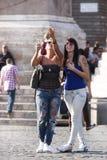 Χαρακτηριστικές ιταλικές γυναίκες κοριτσιών Στοκ φωτογραφία με δικαίωμα ελεύθερης χρήσης