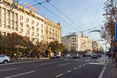 Χαρακτηριστικές κτήριο και οδός στο κέντρο της πόλης Βελιγραδι'ου, Σερβία στοκ εικόνες