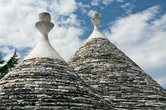 Χαρακτηριστικές κωνικές στέγες των σπιτιών Trulli σε Alberobello, Apulia, Ι Στοκ Εικόνες