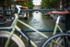 Χαρακτηριστική άποψη ποδηλάτων του Άμστερνταμ Στοκ Εικόνα