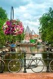 Χαρακτηριστική άποψη του Άμστερνταμ Στοκ φωτογραφία με δικαίωμα ελεύθερης χρήσης