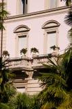 Χαρακτηριστική αρχιτεκτονική ξενοδοχείων Riva Del Garda Ιταλία Στοκ Φωτογραφίες