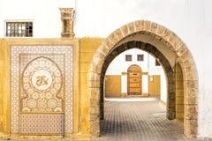 Χαρακτηριστική αλέα σε μια μαροκινή πόλη Στοκ Εικόνες