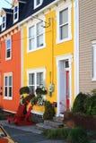 Χαρακτηριστική οδός και σπίτια του ST John στο κέντρο της πόλης Στοκ φωτογραφία με δικαίωμα ελεύθερης χρήσης