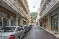 Χαρακτηριστική οδός στην πόλη Nafpaktos, δυτική Ελλάδα στοκ φωτογραφίες με δικαίωμα ελεύθερης χρήσης