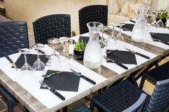 Χαρακτηριστικός λίγος ιταλικός πίνακας εστιατορίων στοκ εικόνα