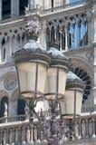 Χαρακτηριστικός λαμπτήρας οδών του Παρισιού στοκ φωτογραφία με δικαίωμα ελεύθερης χρήσης