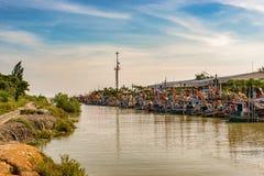 Χαρακτηριστικός λιμένας αλιευτικών σκαφών στην Ταϊλάνδη στοκ εικόνα
