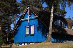 χαρακτηριστικός ξύλινος της Λιθουανίας klaipeda σπιτιών στοκ φωτογραφίες με δικαίωμα ελεύθερης χρήσης