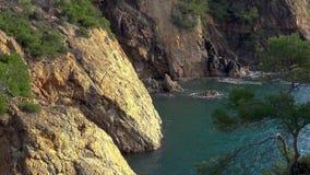 Χαρακτηριστικός παράκτιος ισπανικού Κόστα Μπράβα, κοντά στο μικρό του χωριού Λα Fosca φιλμ μικρού μήκους