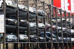Χαρακτηριστικός υπαίθριος σταθμός αυτοκινήτων στην πόλη της Νέας Υόρκης Στοκ Φωτογραφίες
