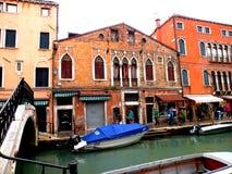 Χαρακτηριστικό αστικό τοπίο σε Murano, Ιταλία, σε μια βροχερή ημέρα Στοκ Εικόνες