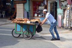 Χαρακτηριστικό κάρρο bagel του ψωμιού Στοκ εικόνες με δικαίωμα ελεύθερης χρήσης
