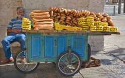 Χαρακτηριστικό κάρρο bagel του ψωμιού Στοκ φωτογραφίες με δικαίωμα ελεύθερης χρήσης