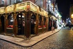 Χαρακτηριστικό μπαρ στην περιοχή φραγμών ναών στο Δουβλίνο, Ιρλανδία στοκ εικόνα με δικαίωμα ελεύθερης χρήσης