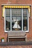 Χαρακτηριστικό ολλανδικό παράθυρο καθιστικών Στοκ Φωτογραφίες