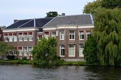 Χαρακτηριστικό ολλανδικό σπίτι. Στοκ φωτογραφία με δικαίωμα ελεύθερης χρήσης