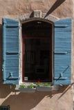 Χαρακτηριστικό παράθυρο Arles Προβηγκία Γαλλία Στοκ Εικόνες