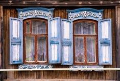Χαρακτηριστικό ρωσικό σπίτι στοκ εικόνες