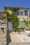 Χαρακτηριστικό σπίτι πετρών Provencal (αποκαλούμενο MAS), νησί Embiez, νότος της Γαλλίας Στοκ Εικόνες