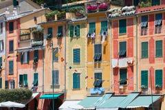Χαρακτηριστικό όμορφο χωριό Portofino με τα ζωηρόχρωμα κτήρια στην Ιταλία Στοκ φωτογραφία με δικαίωμα ελεύθερης χρήσης