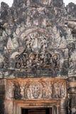 Χαρασμένες αγάλματα ανακουφίσεις Vishnu στους τοίχους του ψαμμίτη, angkor Στοκ Φωτογραφία