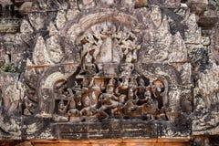 Χαρασμένες αγάλματα ανακουφίσεις Vishnu στους τοίχους του ψαμμίτη, angkor Στοκ φωτογραφία με δικαίωμα ελεύθερης χρήσης