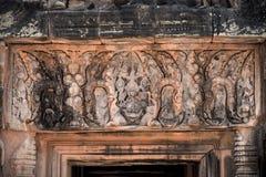 Χαρασμένες αγάλματα ανακουφίσεις Vishnu στους τοίχους του ψαμμίτη, angkor Στοκ Εικόνες