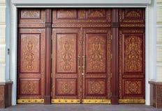 Χαρασμένη πολυτέλεια πόρτα στο ασιατικό ύφος Στοκ Εικόνες