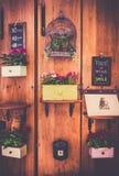 χαρασμένος δέσμη τρύγος σταφυλιών διακοσμήσεων ξύλινος Στοκ Εικόνες