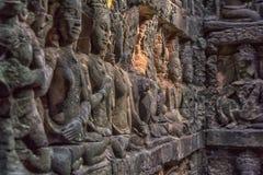 χαρασμένος τοίχος πεζουλιών ελεφάντων apsara angkor η Καμπότζη thom Στοκ Εικόνα