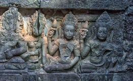 χαρασμένος τοίχος πεζουλιών ελεφάντων apsara angkor η Καμπότζη thom Στοκ Φωτογραφίες
