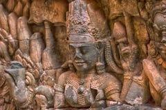 χαρασμένος τοίχος πεζουλιών ελεφάντων apsara angkor η Καμπότζη thom Στοκ φωτογραφία με δικαίωμα ελεύθερης χρήσης