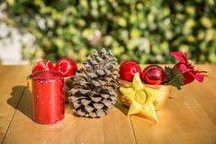 Χαριτωμένα αντικείμενα Χριστουγέννων των διαφορετικών χρωμάτων Στοκ Εικόνα