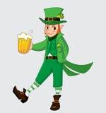 Χαριτωμένα κινούμενα σχέδια leprechaun με την μπύρα Στοκ Εικόνες