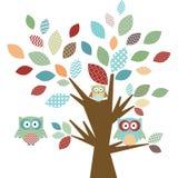 Χαριτωμένα κουκουβάγια και δέντρο Στοκ Εικόνα