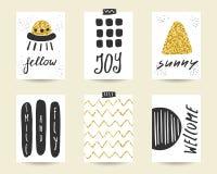 Χαριτωμένα μαύρα και χρυσά γενέθλια doodle, κάρτες κομμάτων Στοκ Εικόνες