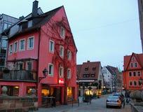 Χαριτωμένα, χαμηλά γερμανικά σπίτια Στοκ φωτογραφίες με δικαίωμα ελεύθερης χρήσης