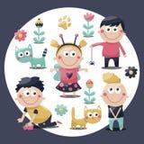 Χαριτωμένες καθορισμένες γάτες παιδιών, παιδιά, παιχνίδια, λουλούδια, εγκαταστάσεις, μωρά Στοκ φωτογραφία με δικαίωμα ελεύθερης χρήσης